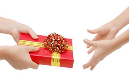 Что подарить женщине на 45 лет на день рождения