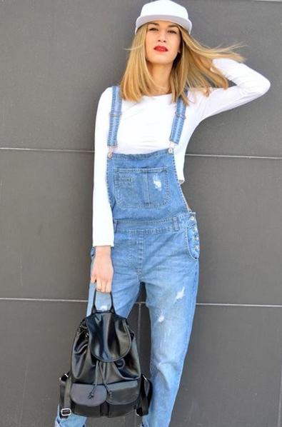 С чем носить комбинезон джинсовый осенью