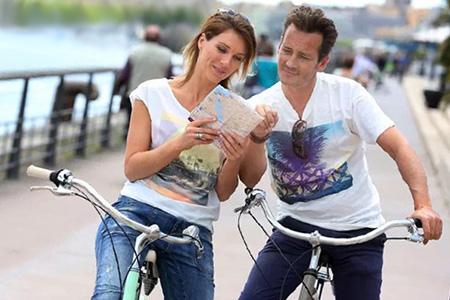 предложите прогулку на велосипедах