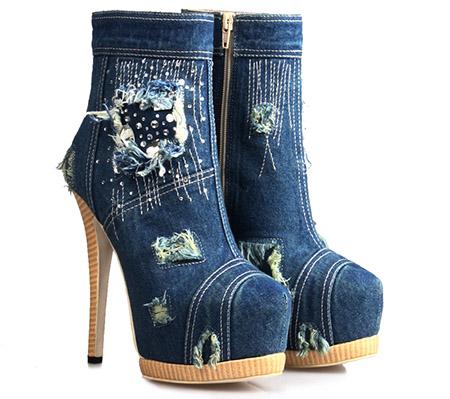 модная обувь из денима