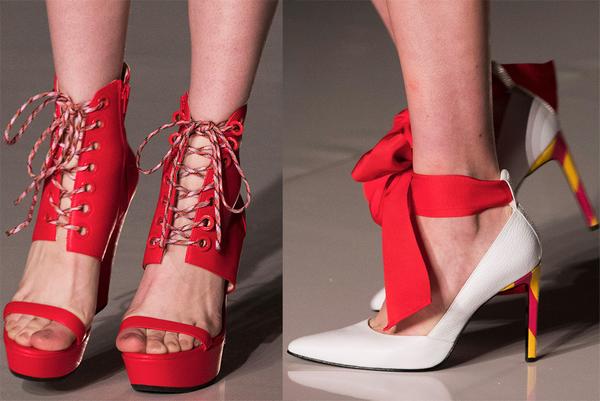 Туфли со шнуровкой, бахромой и кисточками